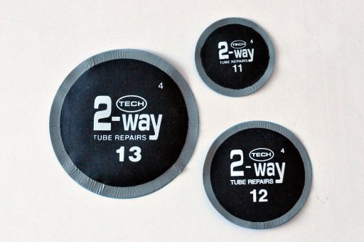 TECH 2 WAY TUBE LARGE ROUND PATCH 80 MM